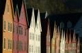 Bergen-Stadtkern-historischer-Weltkulturerbe-Sonnenlicht-Unesco-Holzhaeuser-Architektur-Bryggen-Haeuser-Norwegen-Sony A7RII-DSC00813