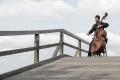 Kontrabass-spieler-Bruecke-straßen-musikant-Musiker-D_MG_2026