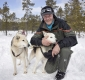 mann-musher-schlittenhunde-siberian-sibirischer-husky-1-sony_dsc1340