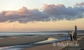 Mahnmal-Skulptur-Denkmal-Strand-Normandie-Morgenlicht-Morgenstimmung-Omaha-Beach-Frankreich-D-Day-Gedenkstaette-USA-US-Army-A_SAM4075