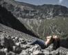 frau-natur-teilakt-schutthang-hochgebirge-a_dsc7037