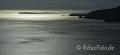 Landschaften-Leuchtturm-Abendstimmung-Spiegelungen-Meer-Silhouette-Felsen-Steilkueste-Wild-Atlantic-Way-Irland-Irische-Kueste-Westkueste-A_SAM4701