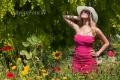 frau-relaxen-entspannung-ruhe-blumen-wiese-j_mg_2081